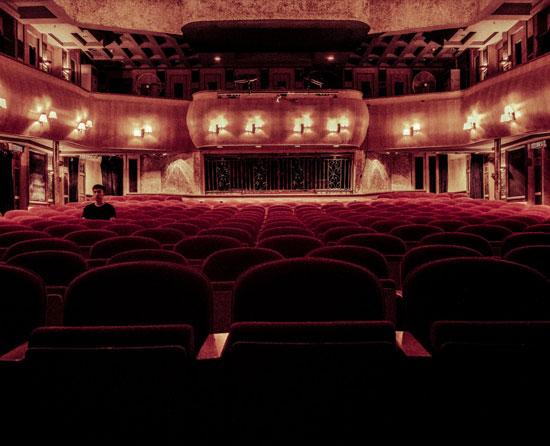 Divadla - 3 společenské akce, na kterých budete chtít určitě zazářit